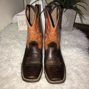 Ariat youth tombstone square toe boots